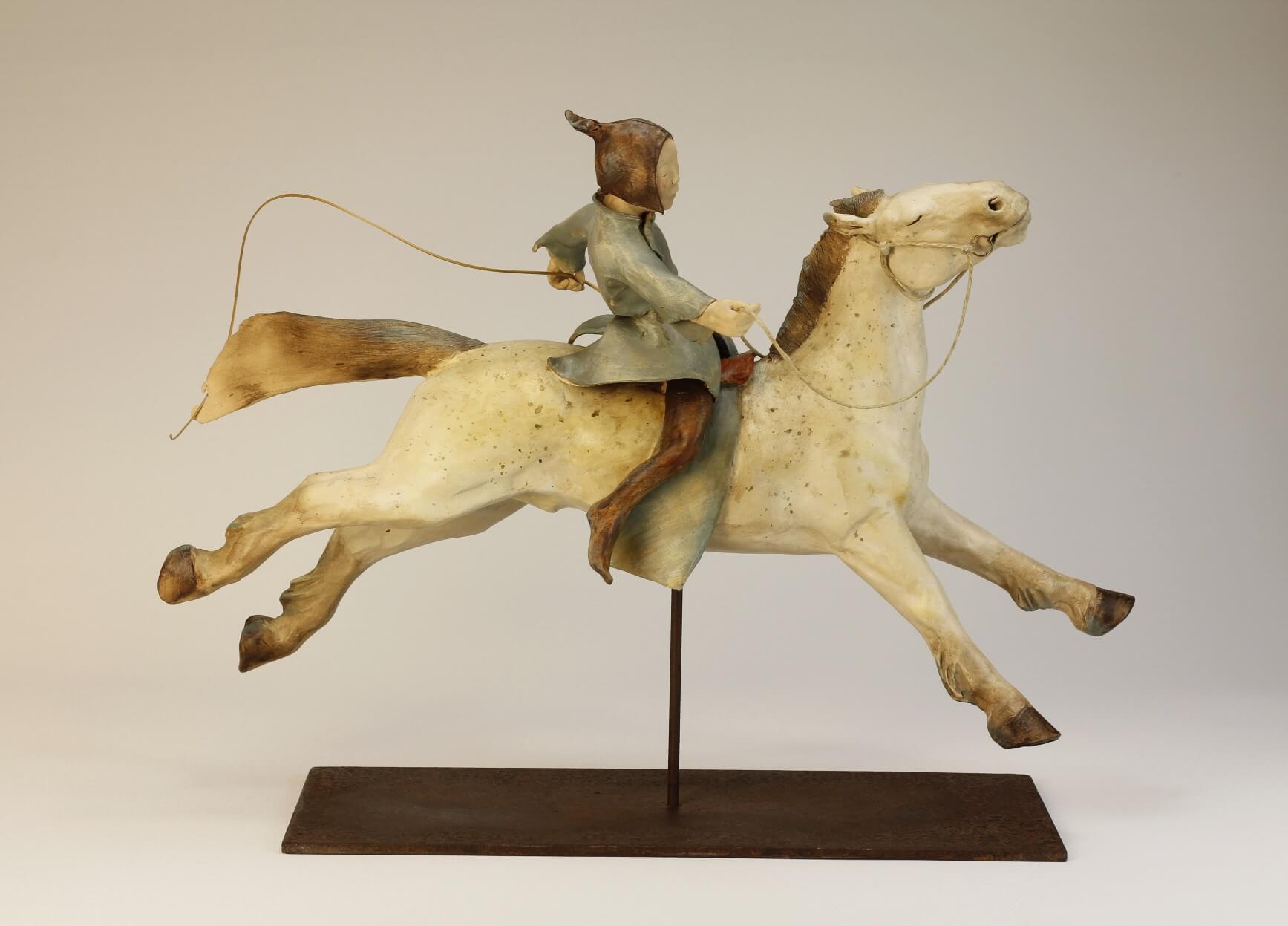 cavalière-maine et loire-sculpture-argile